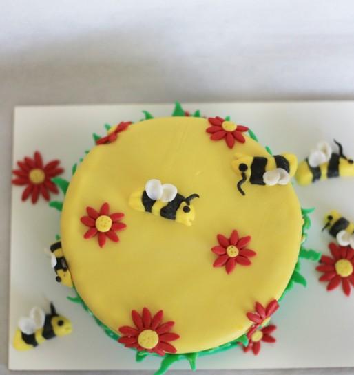 Bienen_blumen_Torte