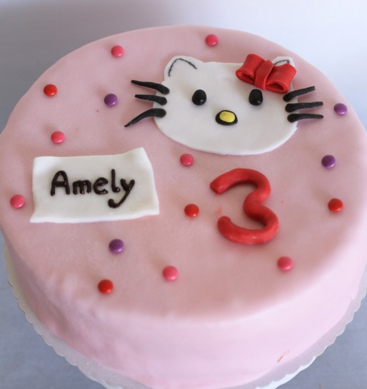Hello_Kitty_Kuchen